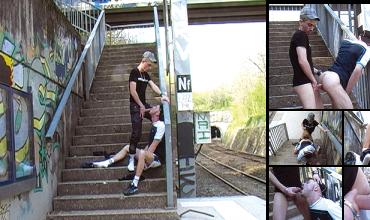 Sneaker enculé spermé sur le quai de la gare